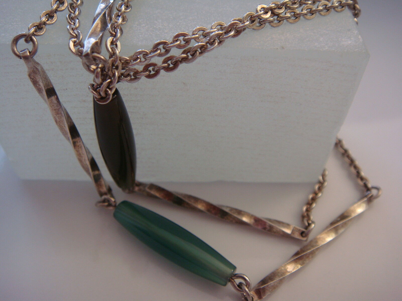 Collana lunga con verdi pietre ricoperto  835 silver collier in