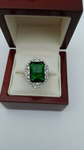 Antique-style-Emerald-amp-Diamante-Cocktail-Ring-Size-O