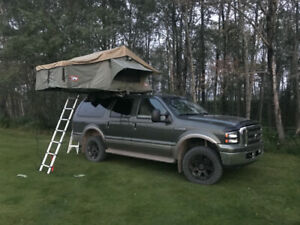 2002 Ford Excursion 7.3L Diesel w/ Roof Top Tent