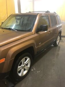 2011 Jeep Patriot leather