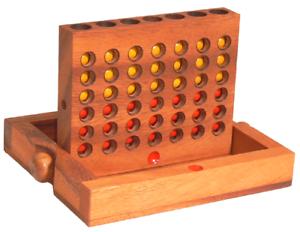 Vier gewinnt Spiel eckig aus Holz 16,5 cm x 13,5 cm mit innenliegendem Fach