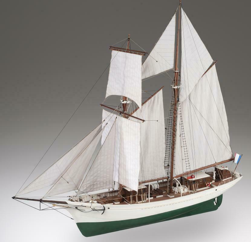 Dusek D021 LA BELLE POULE, nave scuola marina francese 1 50