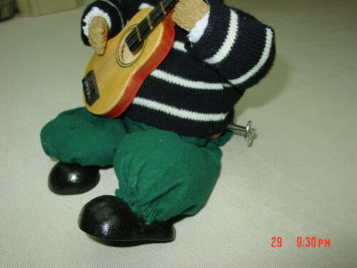 Wind Up Teddy Bear Musical Moves sings My Way Song Has small real wood Guitar