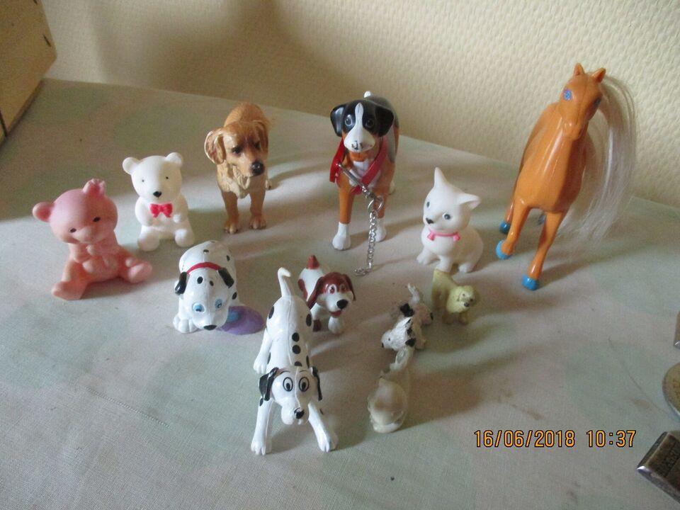 Blandet legetøj, dyr borg biler , disney schlech