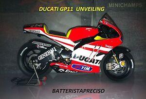 MINICHAMPS-VALENTINO-ROSSI-NOVITA-039-1-12-2011-DUCATI-UNVEILING-GP11-DESMOSEDICI