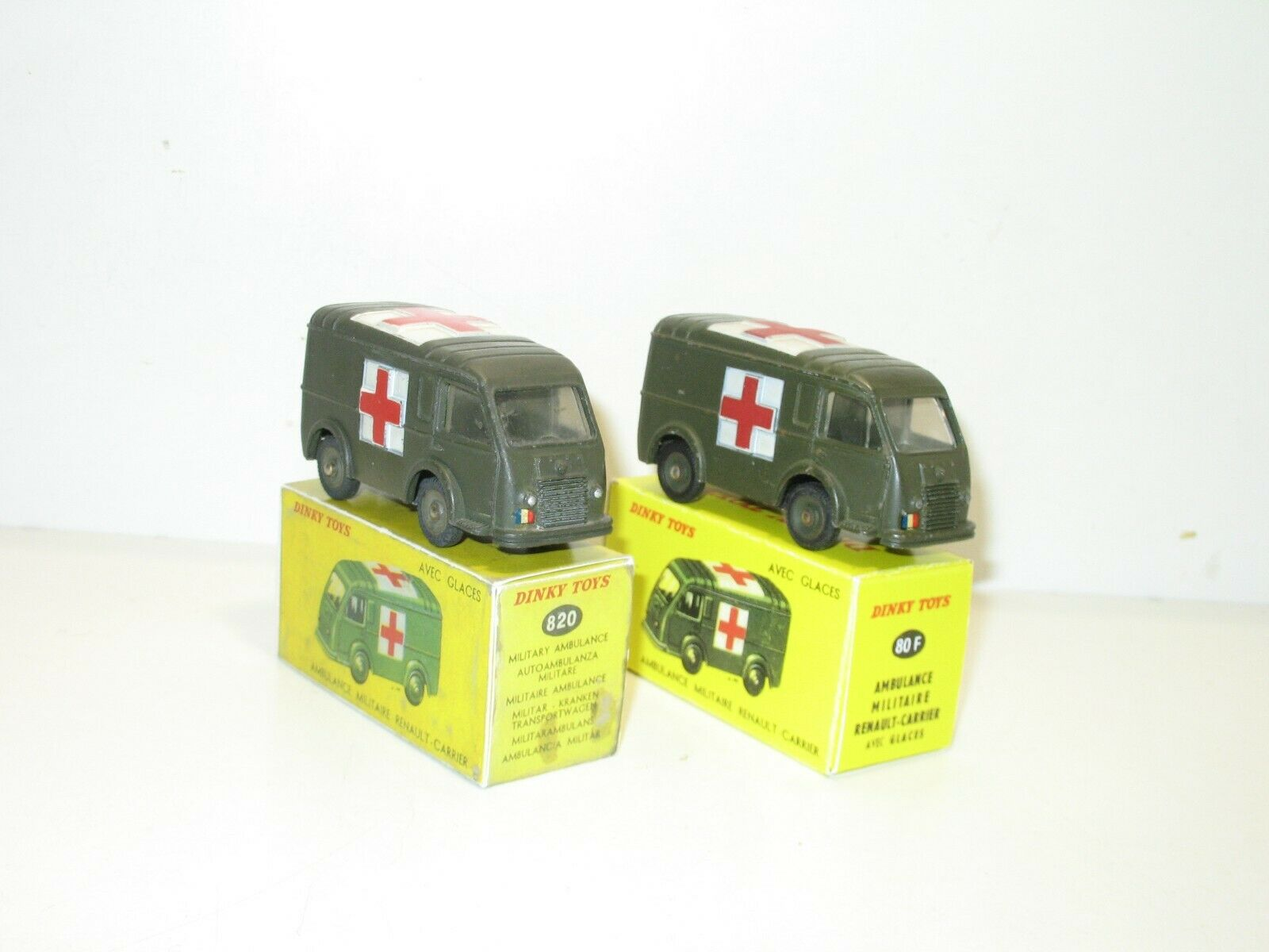 Dinky Toys, Renault Ambulance Ambulance Ambulance Military, Second Version Rim Concave Hollow 79a807