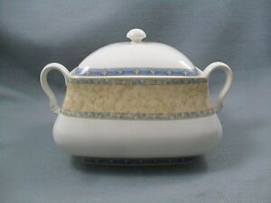 Churchill-Ports-of-Call-Prague-Tureen-Covered-Vegetable-Dish