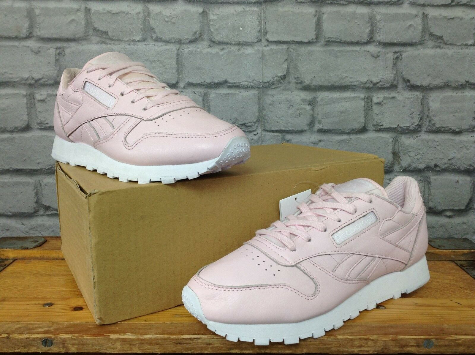 REEBOK LADIES PINK LEATHER CLASSIC TRAINERS RRP  SPRING SUMMER