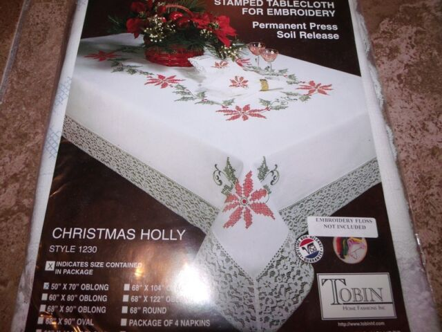 "Tobin Stamped Cross Stitch Embroidery Tablecloth CHRISTMAS HOLLY 68/"" x 90/"" OVAL"