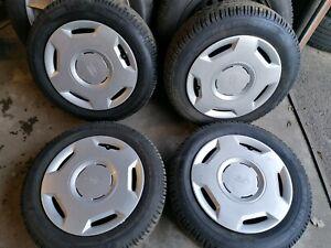 Winterraeder-Ford-Fiesta-JA8-Semperit-175-65-R14-4-Ford-Radkappen-1398