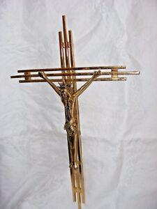 Vintage-Dorado-Laton-Crucifijo-Jesus-Cristo-Cubist-antes-Guardia-de-41-9cm-Larg
