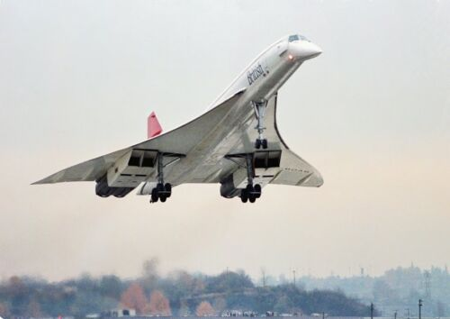 Canvas Concorde Supersonic Airliner Landing at Airport Art print POSTER