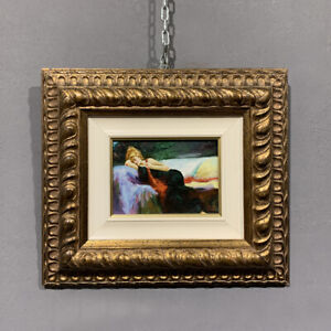 Dipinto olio su tavoletta V. Izzo donna sul divano epoca XX secolo
