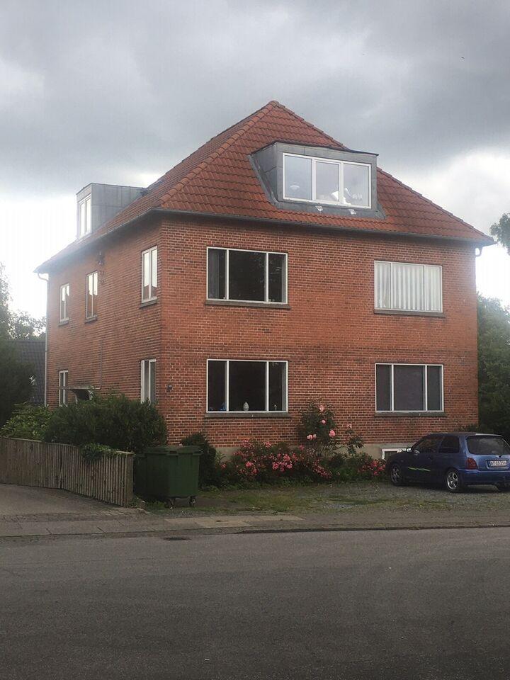 Aabenraa - veldrevet ejendom m. 3 lejligheder