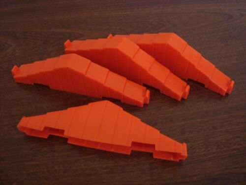 """Lincoln Logs Lot of 4 Plastic 4.5/"""" Bright Red Roof Trusses 2 Notch Size"""