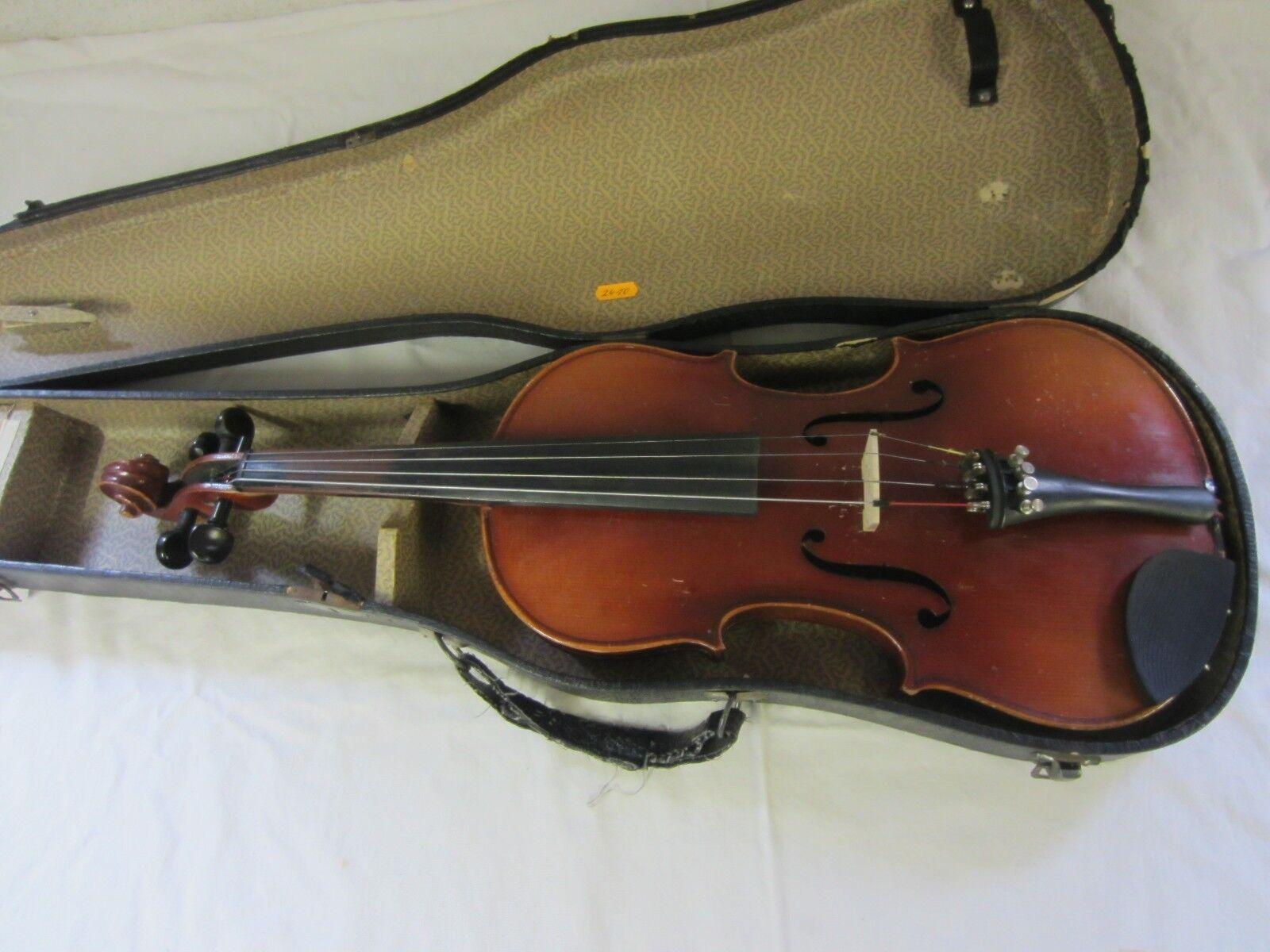 Eine ältere Geige 4 4  mit  Koffer    Nr2410