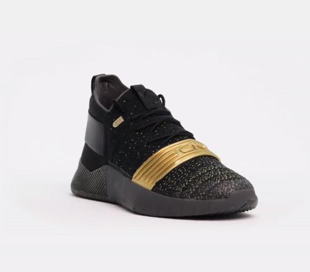 Sotto l'armatura c1n cam d'oro newton trainer le scarpe d'oro cam metallico nero 3000233-001 sz 12 3d72cd