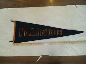 Rare-University-of-Illinois-pennant-double-sewn-letters-1940s