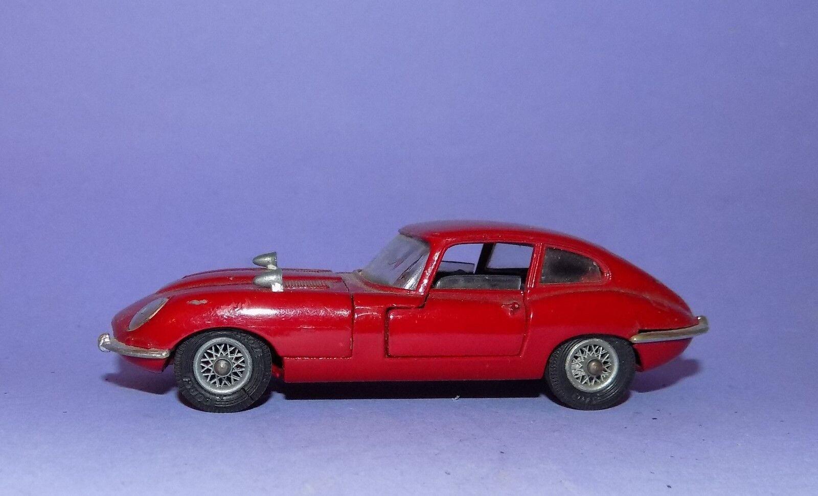 Vintage  1969 - 1971  CORGI  no 335  Jaguar E-type 2 + 2