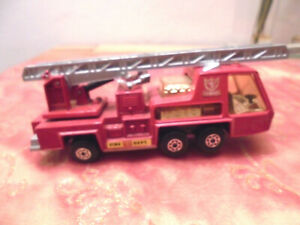 MATCHBOX-SUPER-KINGS-K9-FIRE-TENDER-LESNEY-1972-MADE-IN-ENGLAND
