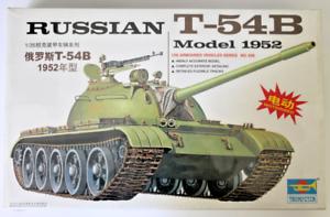 Trumpeter Russian T-54B, Model 1952, MOTORIZED 1 35 00338