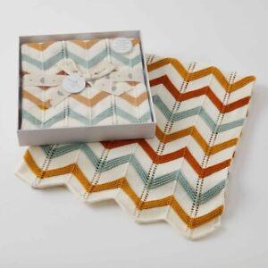 Jiggle & Giggle 100% Cotton Brick Zig-Zag Knit Baby Blanket