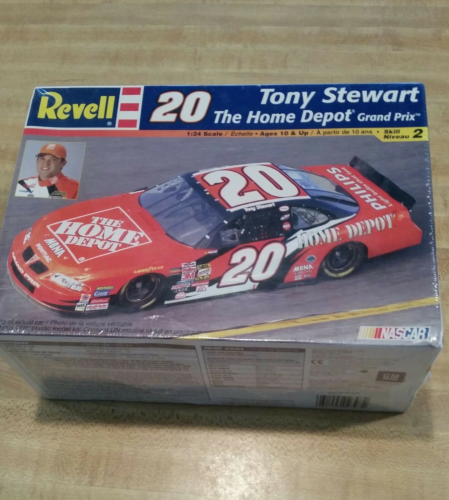 Revell Tony Stewart 20 Home Depot Model Kit