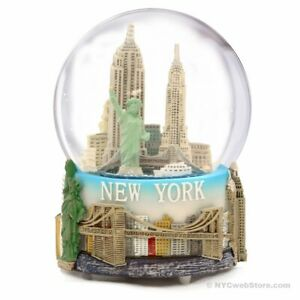 NYC-Musical-Snow-Globe-New-York-City-Christmas-Souvenir-Travel-Gift