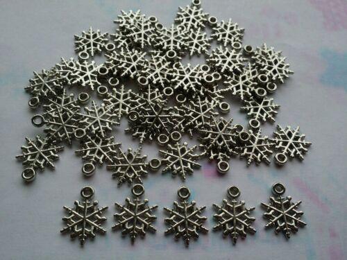 50 X Silver Tone Acrylic Snowflake Pendants 20 X 16 X 1.5mm Jewellery Making
