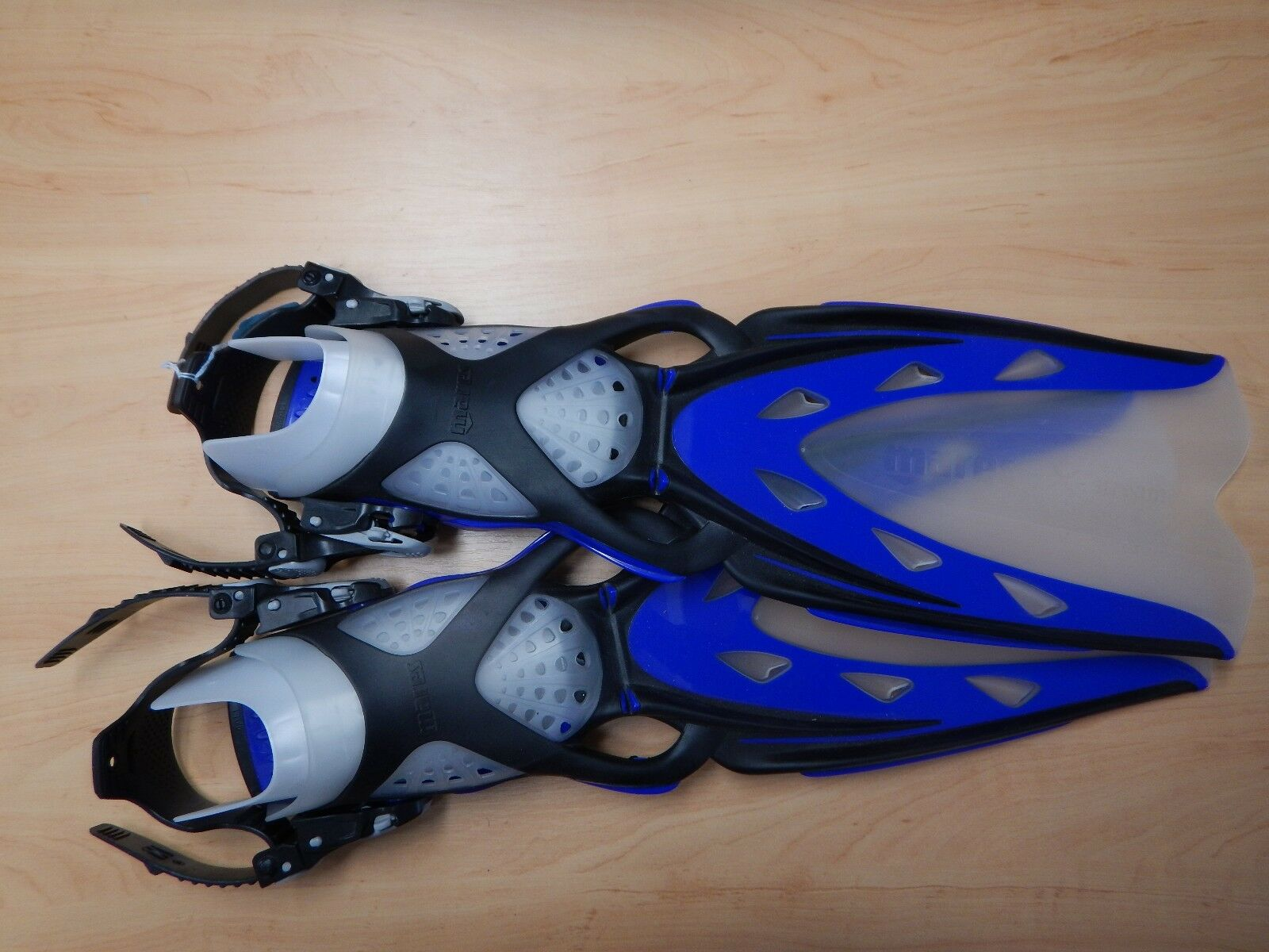 MARES X STREAM FINS X-Small RRP .00  my Price .00
