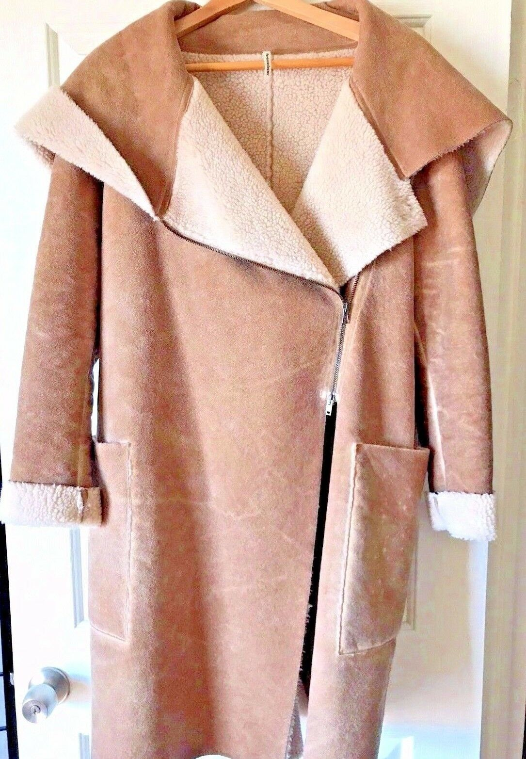 Stylish Shearling Coat Faux Fur Made in  - European size 48 US-L