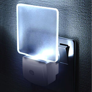 Night-Light-LED-Lamp-Plug-in-With-Auto-Dusk-to-Dawn-Sensor-for-Bedroom-Hallway