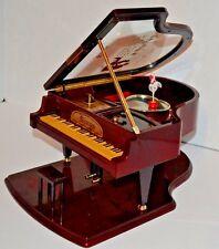 VINTAGE KINGS MINIATURE GRAND PIANO WINDING MUSIC/JEWELRY BOX BALLERINA W/Base