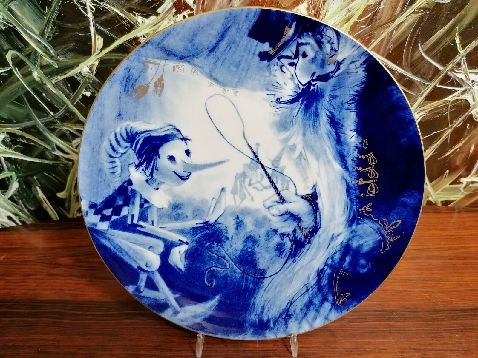 "Image 1 - MEISSEN Year Plate 1985 "" Pinocchios Adventure "" Ø 26cm"