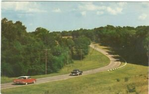 Highway-in-the-Quiet-Countryside-Vintage-Unused-Postcard-A112
