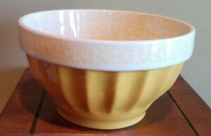 Tabletops-Gallery-aaron-Mixing-Bowl-Large-9-034-3-Qt-Stoneware-yellow-a-showpiece