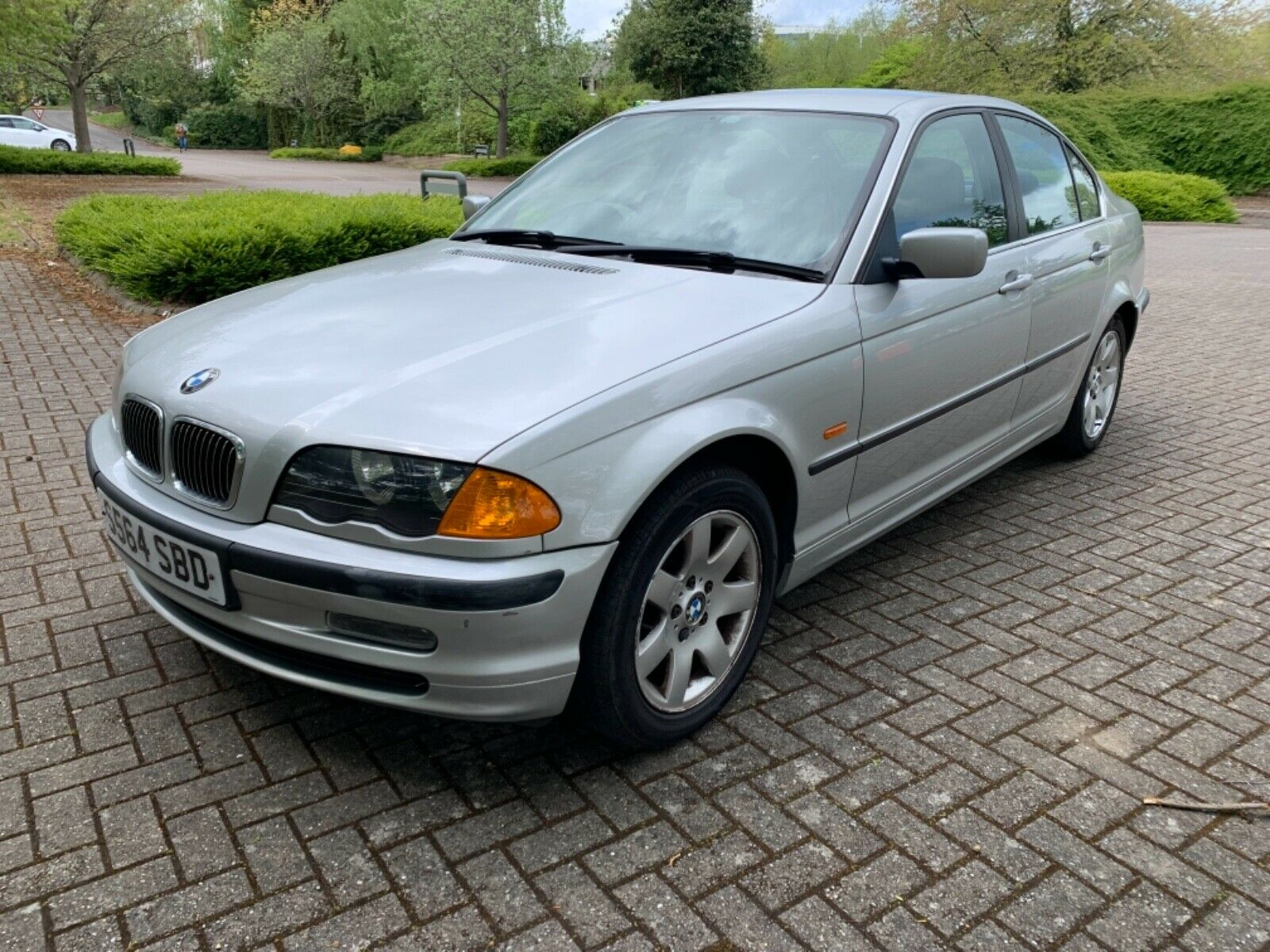 Bmw 323iSE AUTO. 1998 2 owners FULL SERVICE HISTORY 86,000 MILES