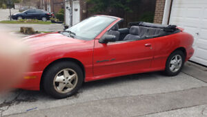 1999 PONTIAC SUNFIRE CONVERTIBLE CANDY APPLE RED $2600.00