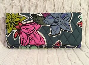 Vera-Bradley-RFID-Trifold-Wallet-Falling-Flowers-Green-Large-Cotton-NWT-MSRP-48