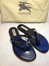 Burberry NEW black patent leather flip flops flat sandals, size 40 -6,5
