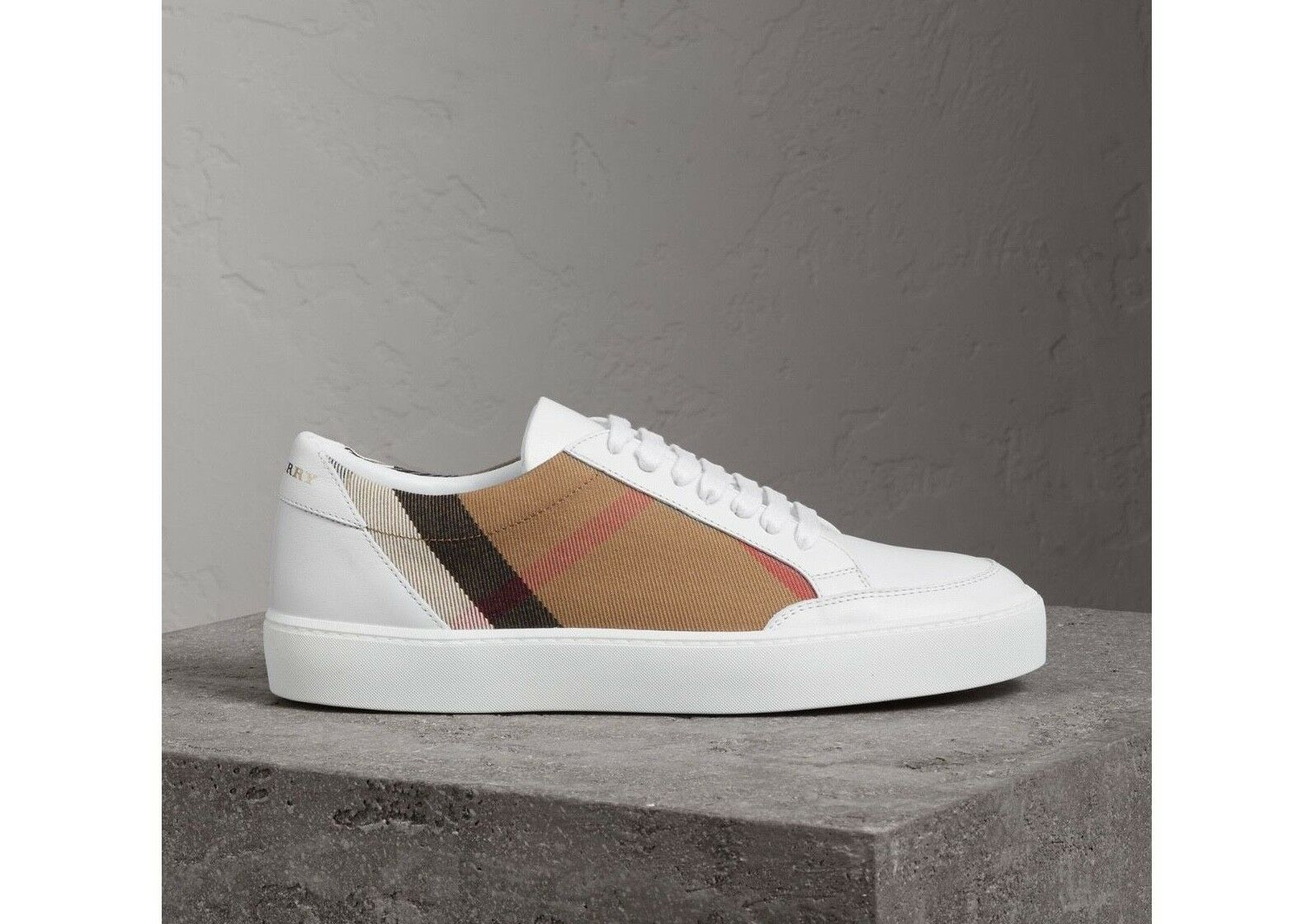 BURBERRY BURBERRY BURBERRY SALMOND WHITE LEATHER CHECK FABRIC LACE LOW SNEAKERS SIZE 37.5  390 e26731