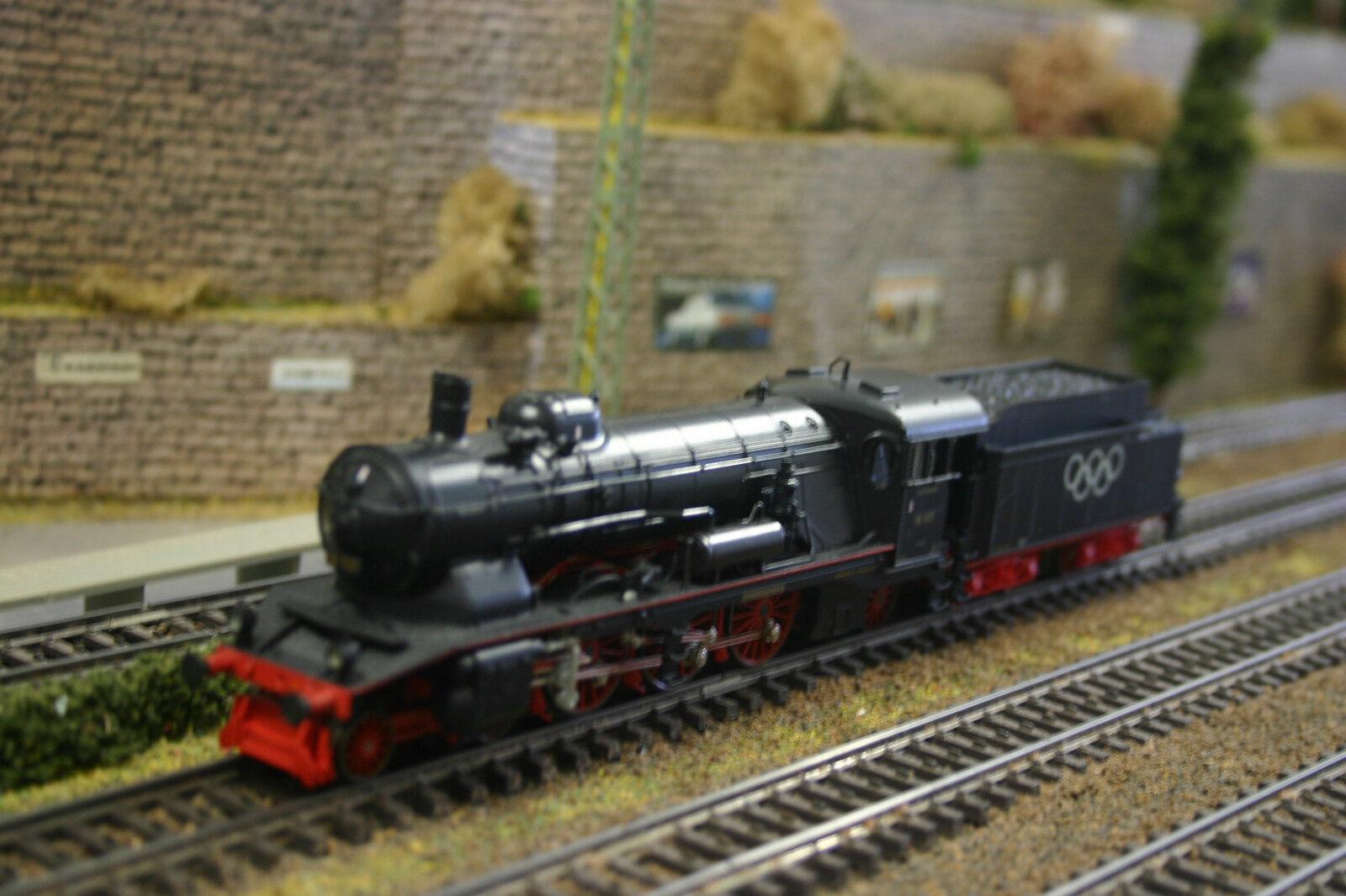 Marklin 34112 HO BR 18.1 Olympic Commemorative Steam Locomotive with Tender