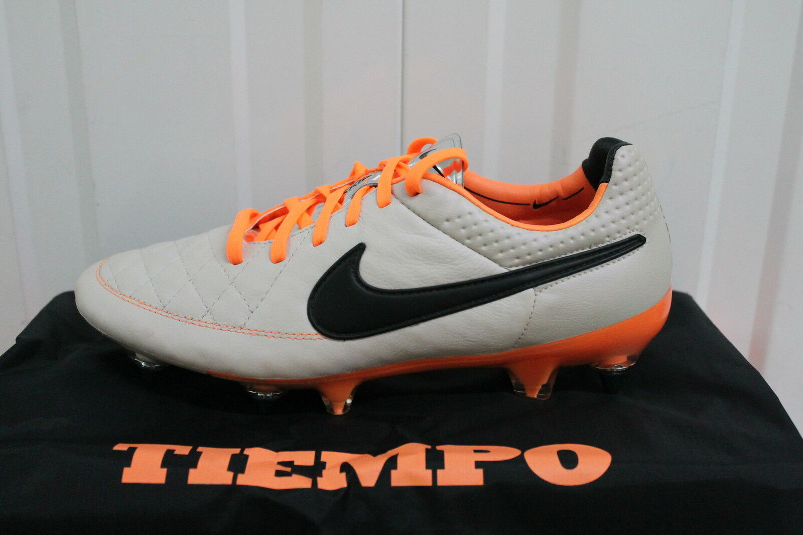 NIKE TIEMPO LEGEND V SOFT GROUND PRO FOOTBALL BOOTS 631614-008 sz..6...6,5..BNIB