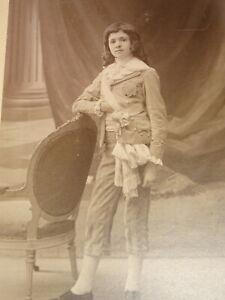 Eugene-PIROU-1841-1909-PHOTO-ANCIENNE-LOUIS-XVII-CINEMA-THEATRE-BOURBONS-1900