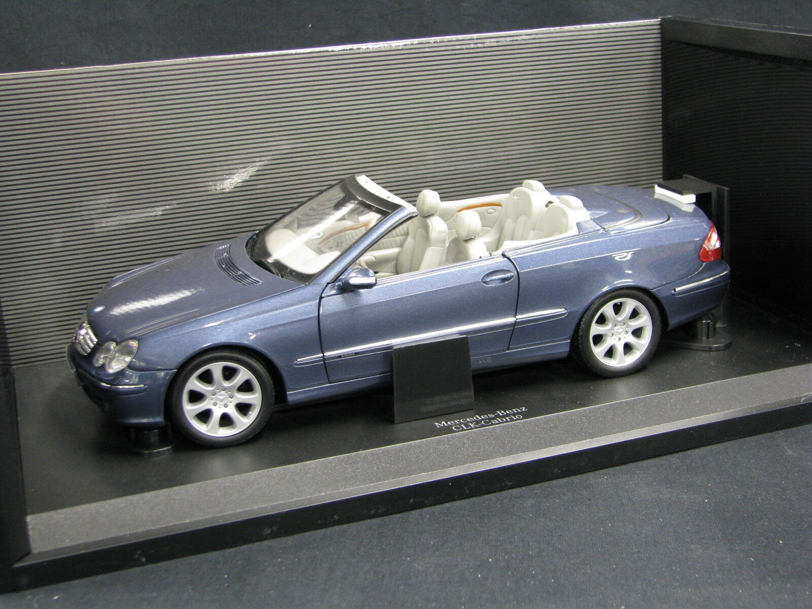 Kyosho Mercedes-Benz CLK Cabriolet 1 18 Light bluee (JS) (JS) (JS) c172c5