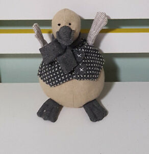 NANA-HUCHY-DUCKIE-DUCK-PLUSH-TOY-LOVELY-GREY-SOFT-TOY-ABOUT-16CM-TALL-KIDS-TOY