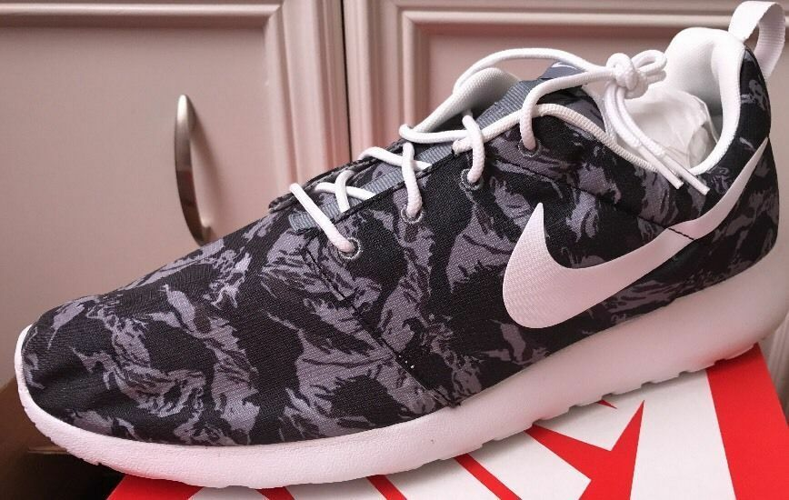NEW Nike Roshe Run Black Tiger Camo Wolf Grey White GPX 655206-014 Size 13