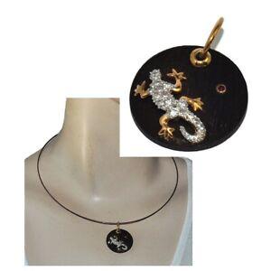 Pendentif-en-plaque-or-18-carats-bois-salamandre-zirconium-blanc-rouge-bijou