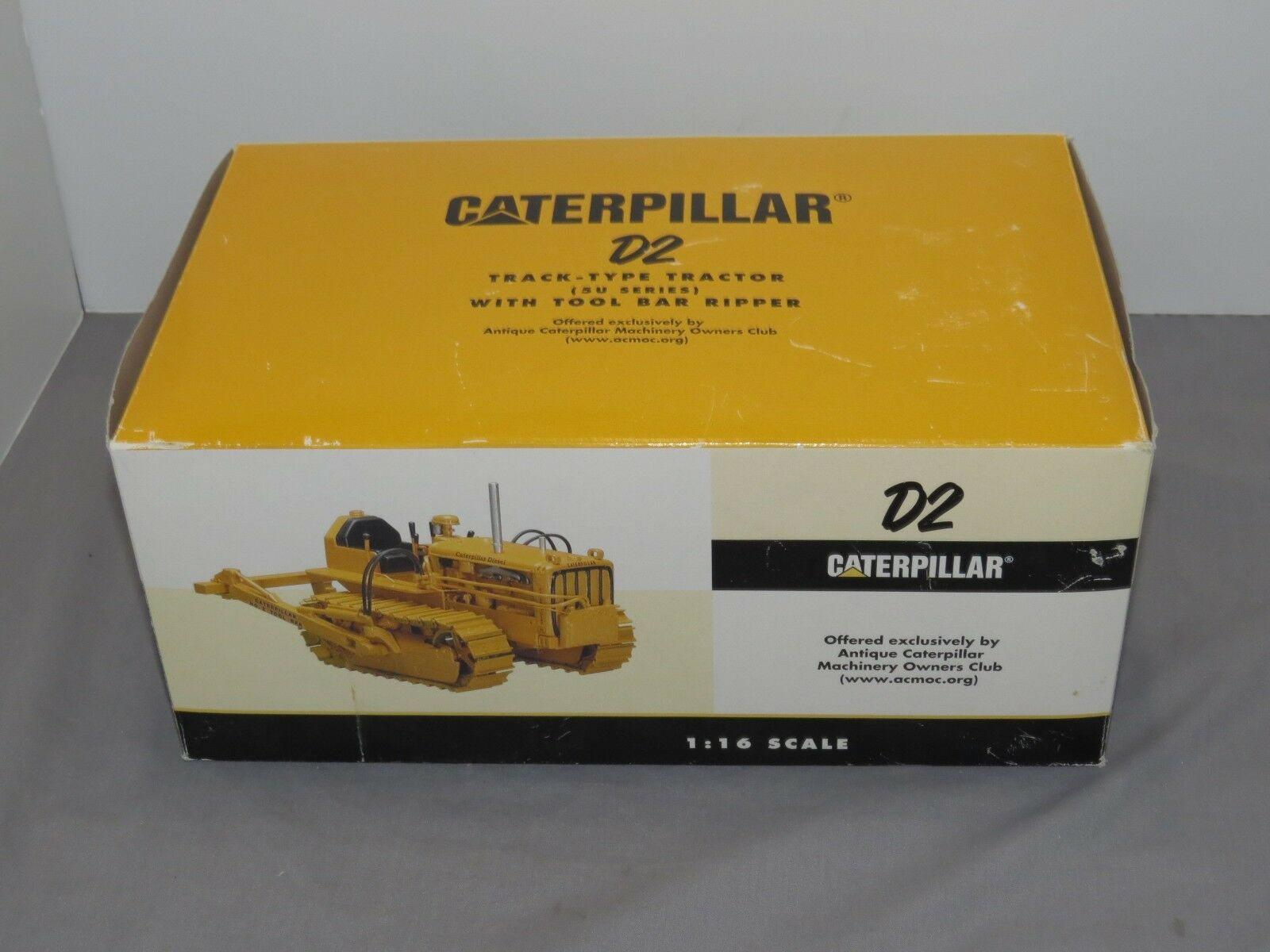 Vintage 1 16 Caterpiller D2 sur chenilles tracteur avec outil bar Ripper by specCast NEW IN BOX