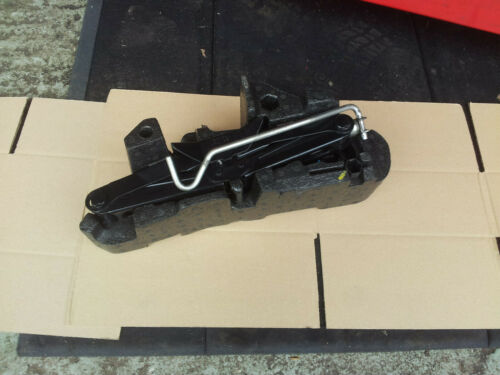 Renault Megane mk3  Spare Wheel Jack Set Kit